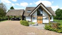 Villa met allure en eiken accenten te Nuland