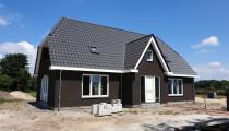 Woning met garage in Hierden